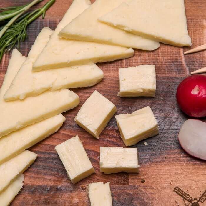 Сырная нарезка, 100 гр.